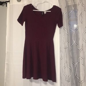 H&M Divided Burgundy Dress Size US-8